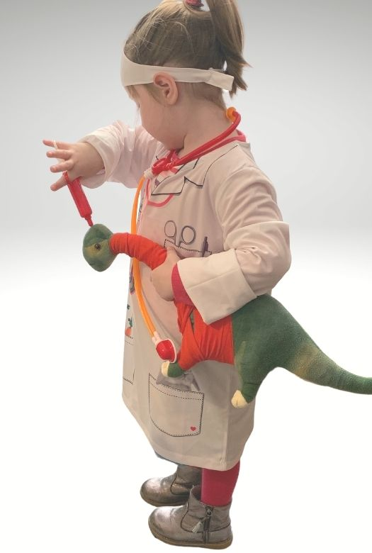 Our favourite dinosaur Halloween costume: a dino vet!