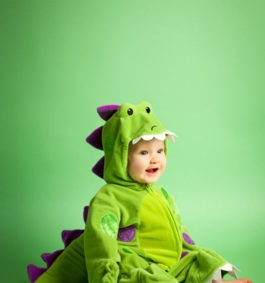 The 9 best and most creative dinosaur Halloween costumes for dinosaur fans; Dinosaur Carnival costumes; dinosaur costumes for kids; Dinosaur costumes for the whole family