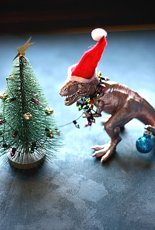How to make your own unique dinosaur Advent wreath