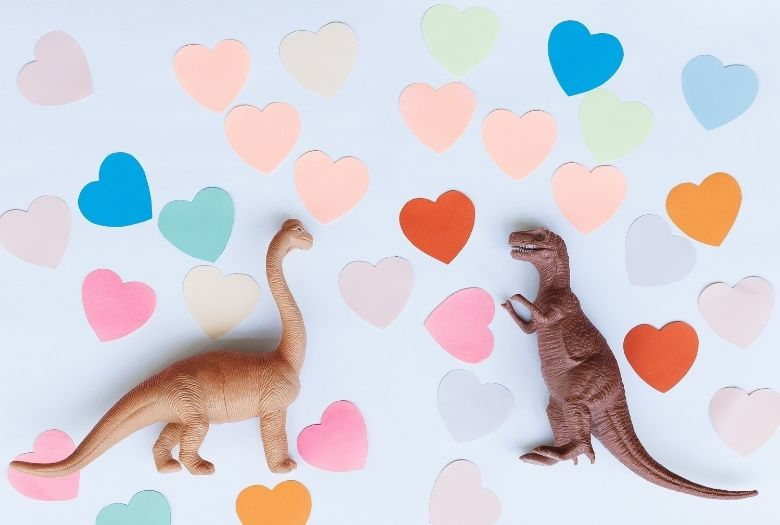 Dinosaurs love Valentine's Day (as this toy Brachiosaurus and T-Rex show from the paper love hearts they have used), especially receiving free dinosaur Valentine's Day cards