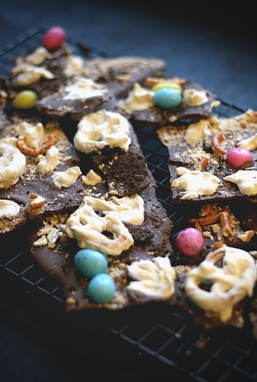 How to make chocolate dinosaur bark, a fun and easy Easter treat
